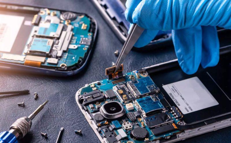 Что делать если смартфон не заряжается и не включается